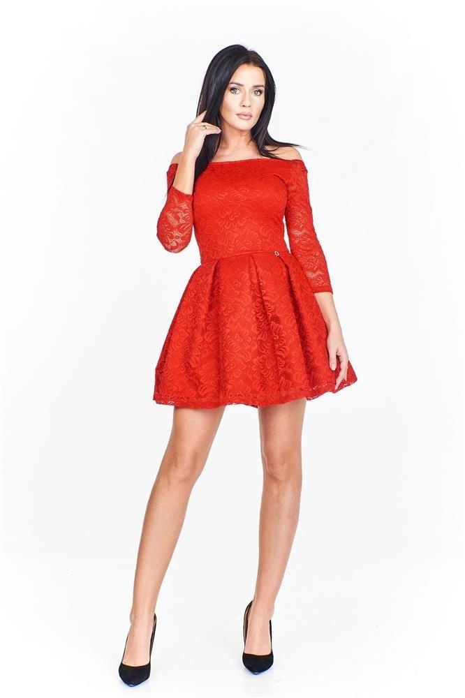 7cca985a71 Koronkowa sukienka z odkrytymi ramionami dopasowana od góy i ...
